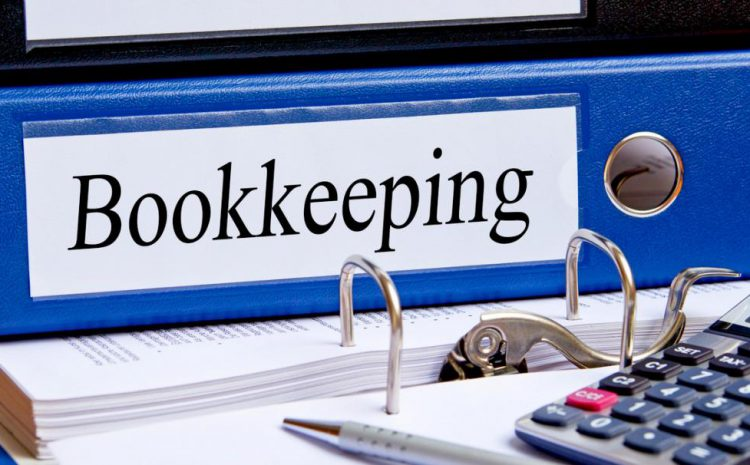 The Advantages and Disadvantages of Bookkeeping